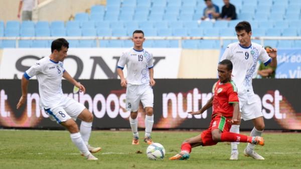 """U23 Uzbekistan mang đội hình """"rởm"""" đến Việt Nam"""