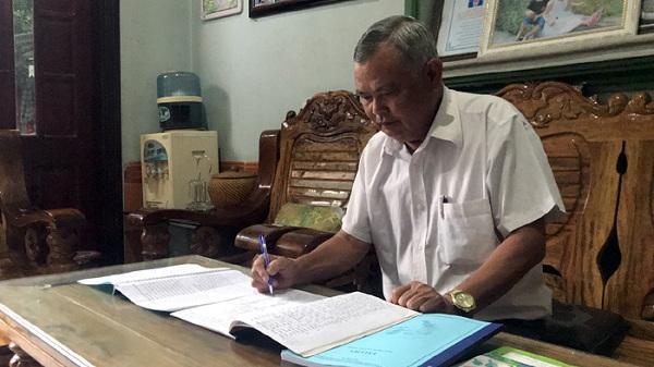 Thầy giáo Điện Biên miệt mài 48 năm dạy tiếng Mông nơi rẻo cao