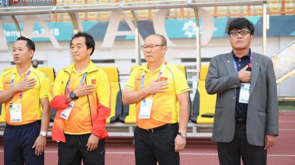 HLV Park Hang Seo 3 lần rơi nước mắt và những khoảnh khắc xúc động với bóng đá Việt Nam