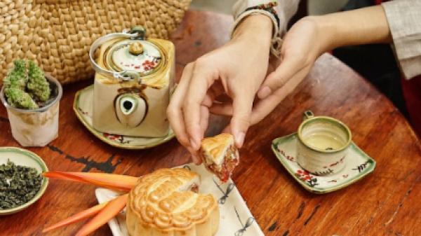 Ai bảo Hà Nam đâu chỉ có cá kho, chuối ngự, Hà Nam còn có bánh Trung thu hút khách du lịch làm quà