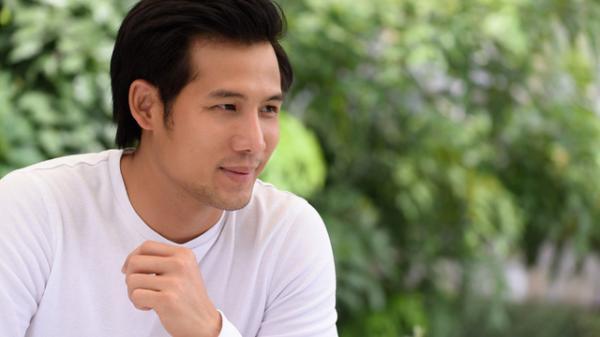 Nam diễn viên quê Trà Vinh Thanh Thức: 'Tôi và bạn gái đã sống chung 9 năm nhưng chưa muốn cưới'