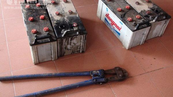 Trà Vinh: Bắt 3 nam thanh niên trộm bình ắc quy