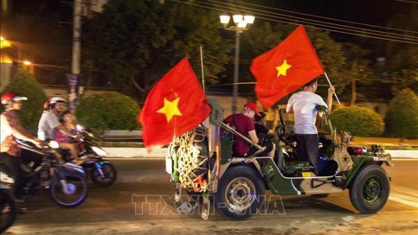 Kiên Giang: Hàng ngàn người xuống đường mừng chiến thắng của Đội tuyển Việt Nam