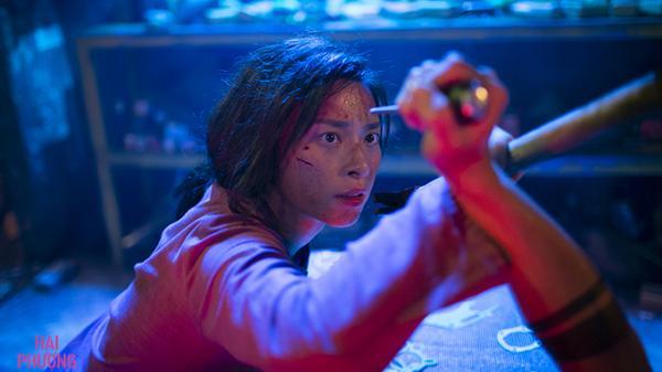 Nghẹt thở xem nữ diễn viên quê Trà Vinh Ngô Thanh Vân diễn cảnh t.ung cước trên nóc tàu h.ỏa