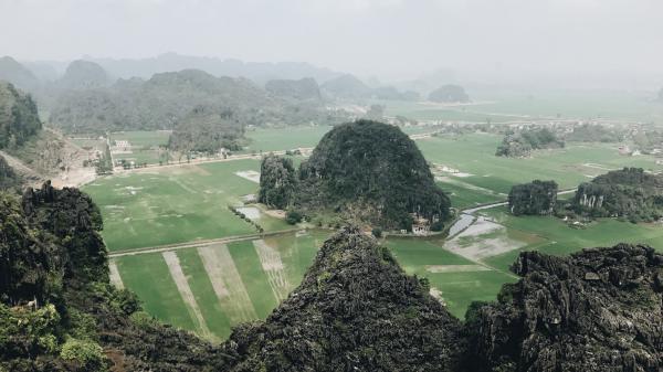"""Tọa độ check-in hot nhất ngay gần Hà Nam: Hùng vĩ và """"ảo diệu"""" không thua gì cảnh phim cổ trang"""