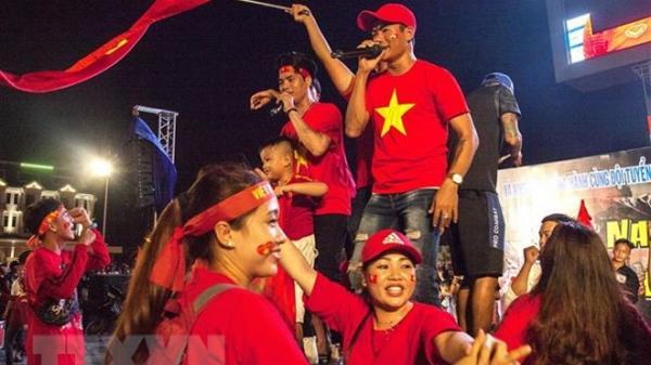 """Đêm qua, Kiên Giang cùng người dân cả nước """"s.ay"""" với chiến thắng của đội tuyển Việt Nam"""