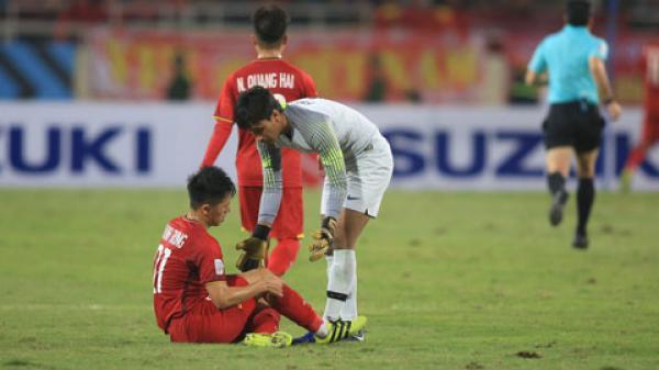NÓNG: Vừa vô địch AFF Cup 2018, 1 cầu thủ của đội tuyển Việt Nam đã dính c.hấn th.ương nặng, có n.guy cơ m.ất Asian Cup 2019