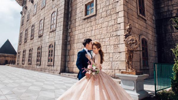 Bộ ảnh cưới 300 triệu của cặp đôi miền Tây yêu nhau 12 năm, cưới mời 2000 khách