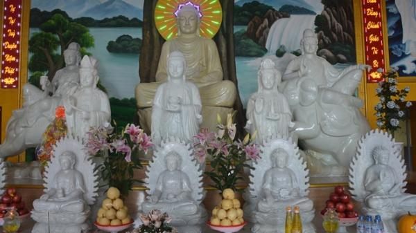 Ngôi chùa ở Sóc Trăng có những pho tượng chuyển màu độc đáo