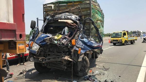Tai nạn kinh hoàng trên cao tốc, 2 thanh niên miền Tây tử vong thương tâm