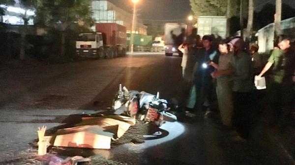 Người đàn ông miền Tây bị xe container cán t.ử vong tại chỗ, tài xế bỏ mặc nạn nhân trên đường