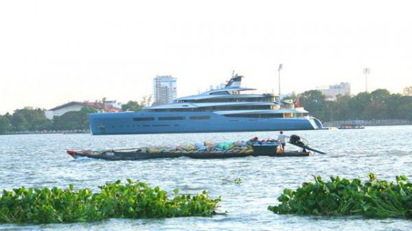Miền Tây: Siêu du thuyền trị giá 150 triệu USD bất ngờ xuất hiện