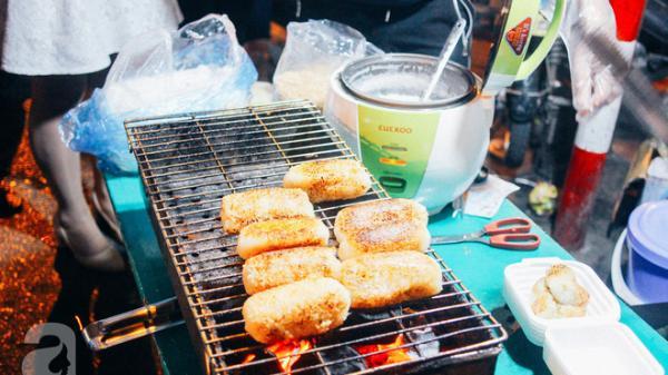 """Chấm điểm chuối bọc nếp nướng - món ăn đường phố Sài Gòn """"ngon nhất thế giới"""" vừa có mặt ở Hà Nội"""
