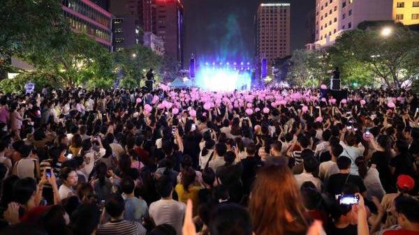 """Ngày 10/12, 10.000 khán giả Hà Nội có cơ hội """"quẩy"""" hết mình cùng Mỹ Tâm tại phố đi bộ Hồ Gươm"""