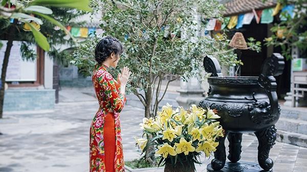 Cuối năm dắt nhau đi cầu duyên, 'thoát ế' siêu linh thiêng ở 7 ngôi chùa ngay Hà Nội