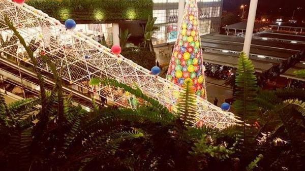 """Tối Noel, """"Sống ảo ngàn sao"""" ở TTTM gần ngay Hưng Yên  - điểm check-in """"hot họt"""" không thể bỏ qua mỗi tối"""