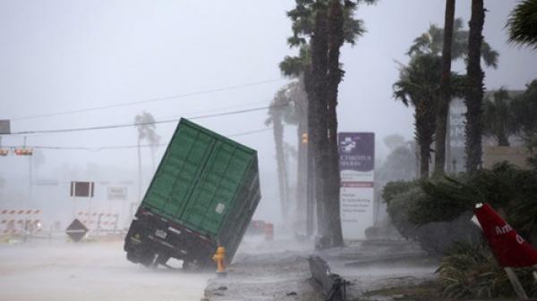 Áp thấp nhiệt đới đã mạnh lên thành bão giật cấp 10, đất liền trời rét đậm