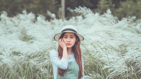 """""""Mê mẩn"""" những địa điểm chụp ảnh với cỏ lau ở Hà Nội"""