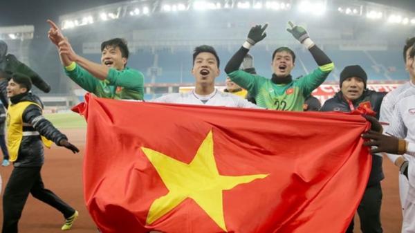 Trước giờ G, cổ động viên gửi lời chúc đến U23 Việt Nam