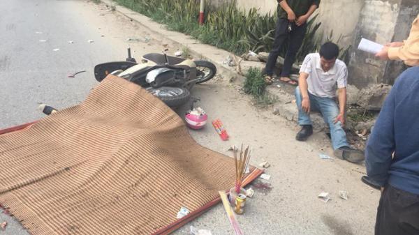 Chồng phanh gấp xe máy khiến vợ ngã, bị xe đầu kéo cán chết trên quốc lộ 1A