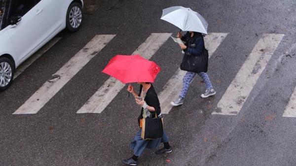 Cuối tuần, miền Bắc tiếp tục đón đợt không khí lạnh yếu kèm mưa