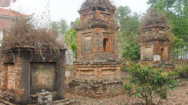 """Bí ẩn những vụ đào bới ngôi chùa và con rắn lạ """"canh"""" ba tòa tháp cổ"""