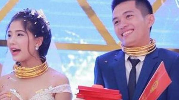 Đám cưới siêu khủng: Cô dâu chú rể vàng đeo gãy cổ, được tặng cả biệt thự, xe hơi
