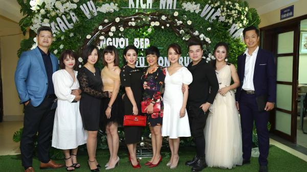 """MC Thảo Vân chúc mừng đàn em giới thiệu vũ kịch """"Người đẹp ngủ trong rừng"""""""