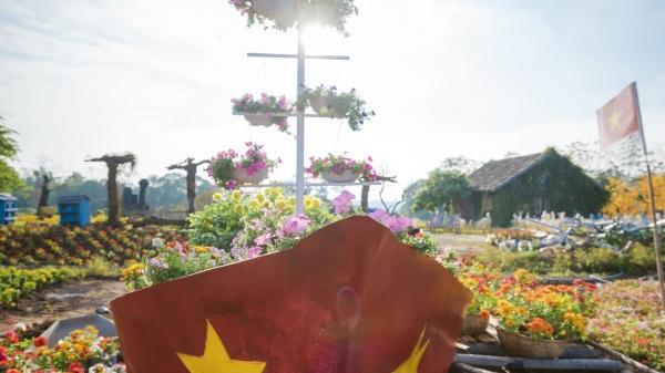 Xuất hiện chiếc cup vô địch khổng lồ bằng hoa cổ vũ đội tuyển Việt Nam tại ASIAN Cup 2019