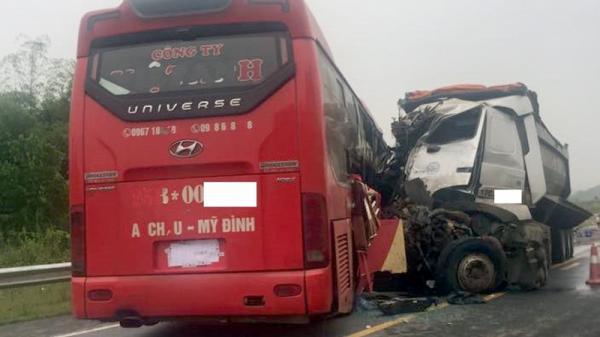 Tai nạn nghiêm trọng trên cao tốc Hà Nội - Lào Cai