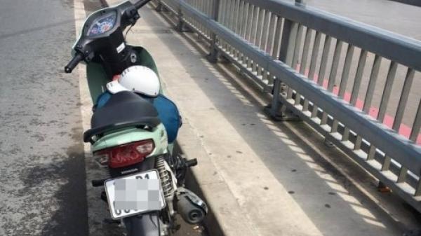 Đi xe máy đến cầu Nhật Tân tự tử, rơi xuống sông rồi nam thanh niên lại hối hận tự bơi vào bờ