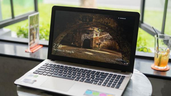 Những mẫu laptop giá rẻ dành cho sinh viên