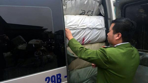 Hà Tĩnh: Bắt giữ lô hàng lậu trị giá hàng trăm triệu đồng