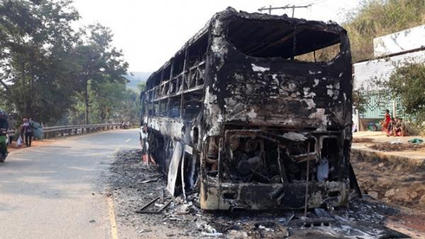 Xe khách giường nằm tuyến Hà Tĩnh- Đăk Nông bị thiêu rụi, 38 người thoát chết