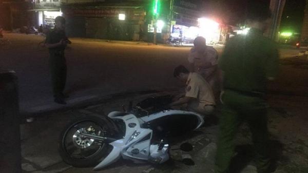 Hà Tĩnh: Xe tải đâm vào cảnh sát giao thông rồi bỏ chạy