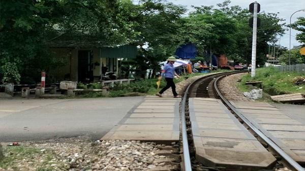 Hà Tĩnh: Truy tìm đối tượng dọa giết, cướp tiền của nhân viên trực ga tàu