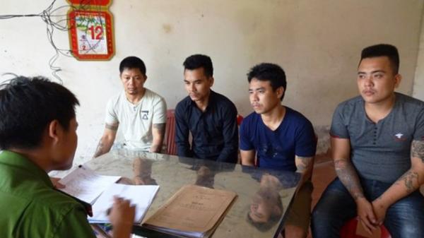 Nghệ An: Tạm giam 4 đối tượng dùng dao chém gục lơ xe vì tranh giành khách