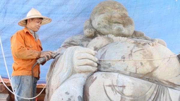 Độc đáo tượng đá Phật Di Lặc nặng hơn 60 tấn trị giá hơn 2 tỷ đồng ở Quỳnh Lưu (Nghệ An)