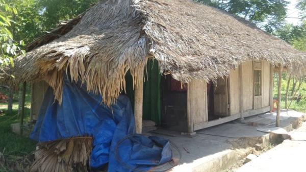 Hà Tĩnh: Thầy giáo tật nguyền đơn thân và ngôi nhà tranh tạm bợ