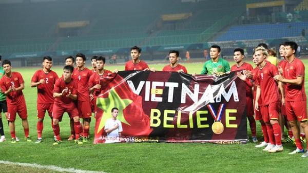 Xúc động khoảnh khắc dàn sao Olympic Việt Nam tri ân Đỗ Hùng Dũng