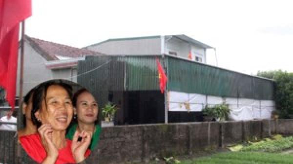 Trung vệ Bùi Tiến Dũng (Hà Tĩnh) tặng mẹ 1 tỷ đồng trả nợ xây nhà