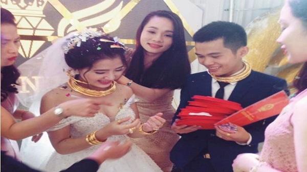 Xôn xao đám cưới trao biệt thự, xe hơi, 10 cây vàng ở Nghệ An