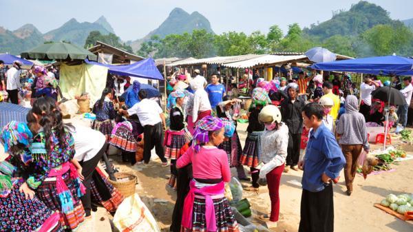 Tam Đường Đất - Phiên chợ vùng cao giữa lòng phố thị ở Lai Châu