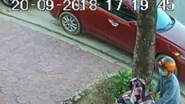 Truy tìm 2 đối tượng bịt mặt bẻ khóa, trộm xe SH trước quán cà phê ở Hà Tĩnh