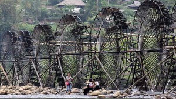 """Cọn nước bản Nà Khương - """"máy bơm nước"""" vùng cao Lai Châu"""