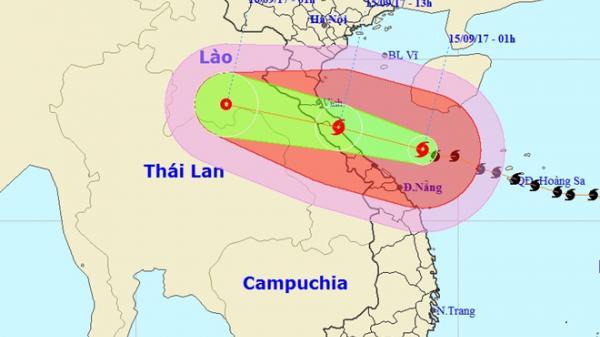 Bão số 10 giật cấp 15 tiến vào bờ biển Hà Tĩnh-Quảng Bình