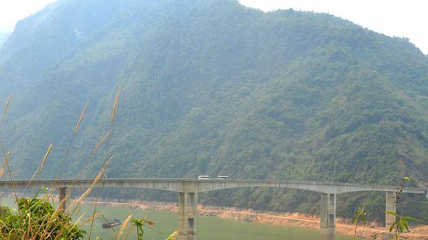 Hang Tôm, cây cầu nối Ðiện Biên - Lai Châu