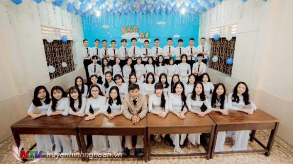 Nghệ An: Một lớp học trường miền núi nghèo đậu đại học 100%