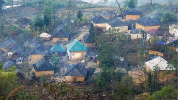 Lào Cai: Độc đáo những ngôi nhà trình tường của người Hà Nhì