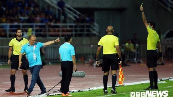 Việt Nam - Thái Lan 0-0: HLV Park Hang-seo nhận thẻ vàng